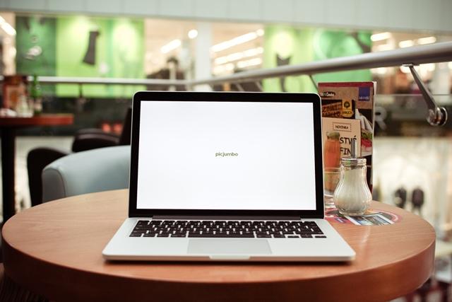 Pozycjonowanie i Optymalizacja stron Internetowych w Wyszukiwarce.